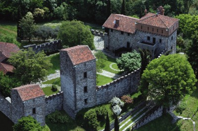 "Rossino Castle - website: <a href=""http://www.castellodirossino.it/"">www.castellodirossino.it</a>"