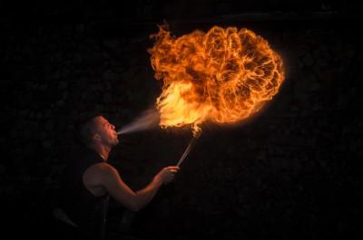 Глотатели огня и факиры